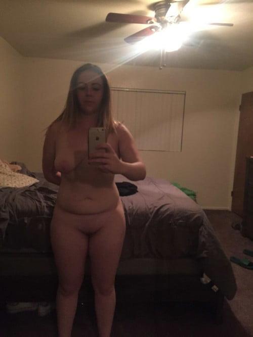 blonde grassouillette en manque de sexe
